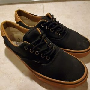 VANS TRADITIONAL LOWTOPS MENS SIZE 9.5 EUC